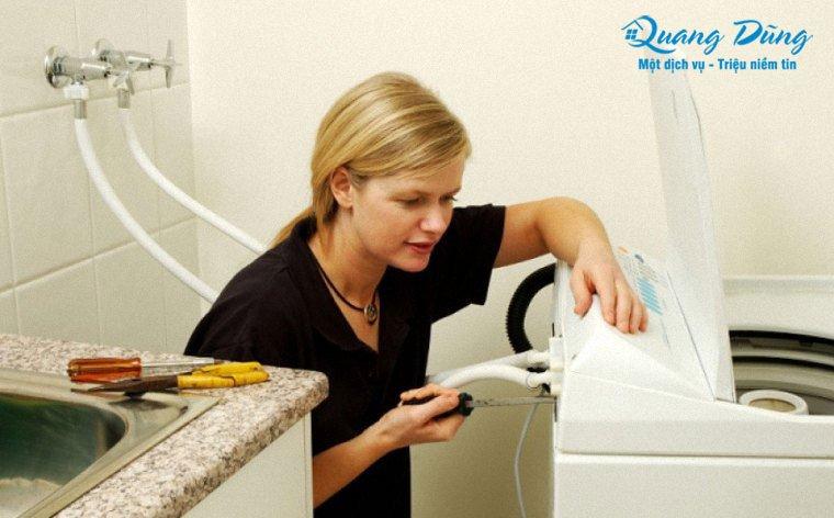 tự sửa máy giặt electrolux tại nhà