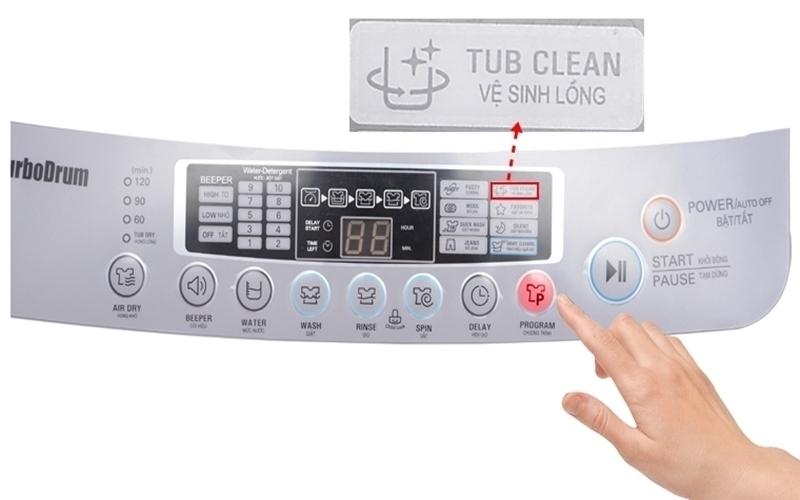 bạn nên sử dụng chế độ tự làm vệ sinh lồng máy giặt Electrolux