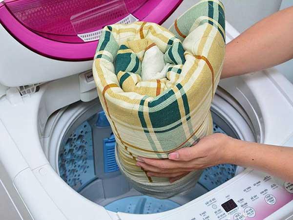cách giặt gối bằng máy giặt