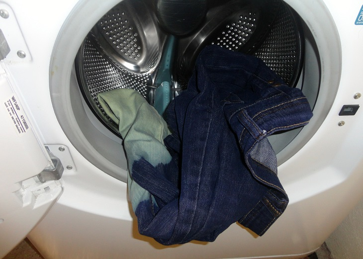 Cách giặt quần jean bằng máy giặt